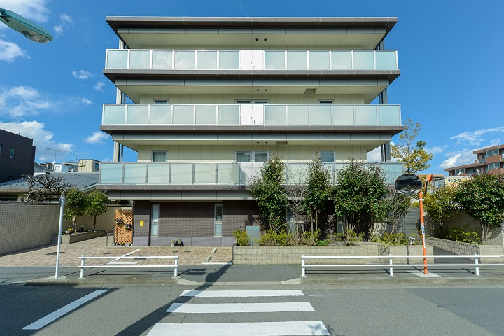 グランダ調布 外観 調布市富士見町の老人ホーム